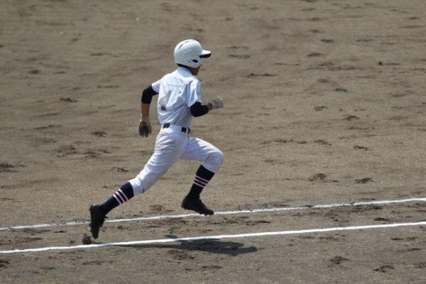 野球 選手 走る 子供